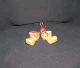 сувенир ботиночки из кедра
