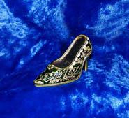 коллекция берген юлии,частная коллекция миниатюрных туфелек и башмачков