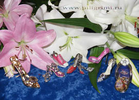 коллекция сувенирных миниатюрных туфелек Берген Юлии