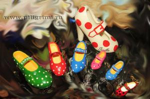коллекция миниатюрных сувенирных туфелек из испании