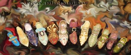 коллекция миниатюрных туфелек
